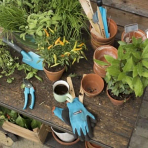 Комплекты садовых инструментов