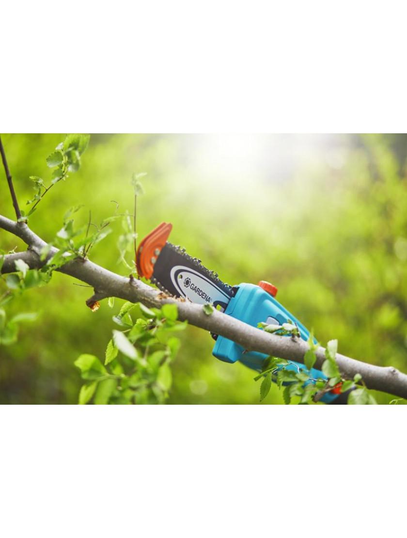 Телескопические ножницы для живой изгороди аккумуляторные Gardena THS 20/18V с аккумулятором